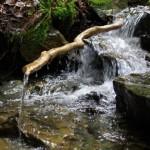 Wasserrinnen am Bach b